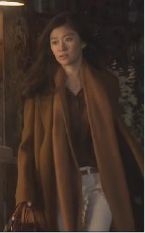 オトナ女子-篠原涼子-9話-茶色のロングコートとストール画像