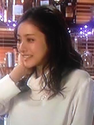 石原さとみ-月9ドラマ5話着用服画像
