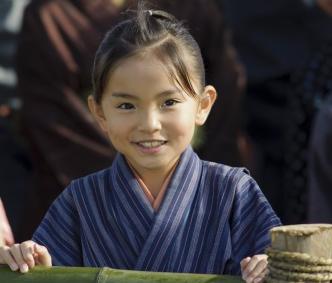 八重の桜で綾瀬はるかの幼少期を演じた鈴木梨央-画像