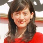 綾瀬はるかが紅白歌合戦(2015年)で着用している衣装のブランドは?
