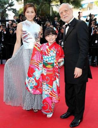 鈴木梨央、カンヌ映画祭でレッドカーペット-画像
