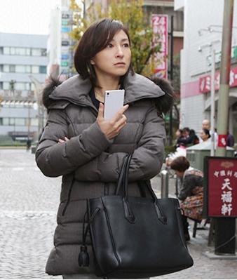 ナオミとカナコ-広末涼子ドラマ着用ダウンコート-画像