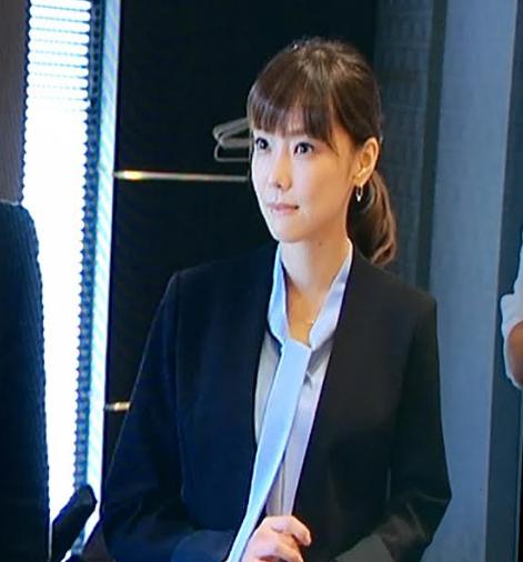 月9ドラマ倉科カナ着用ボウタイブラウス-画像